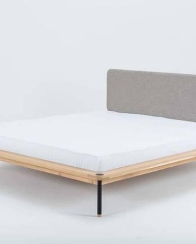 Dvoulůžková postel z dubového dřeva Gazzda Fina Nero, 160 x 200 cm