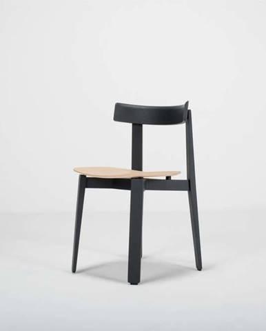 Černá jídelní židle z dubového dřeva Gazzda Nora