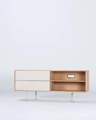 Bílý TV stolek z dubového dřeva Gazzda Fina, šířka 150 cm