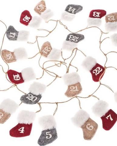 Textilní závěsný adventní kalendář z ponožek Dakls, délka 260 cm