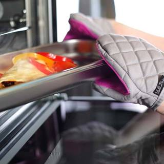 Fialovo-šedá bavlněná chňapka se silikonem Vialli Design
