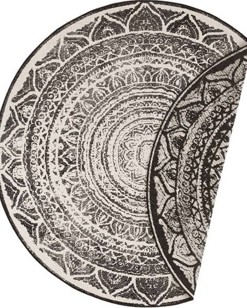 Bougari Černo-krémový venkovní koberec Bougari Siruma, ø 140 cm