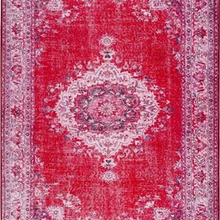 Červený koberec Universal Persia Red Bright, 200 x 300 cm