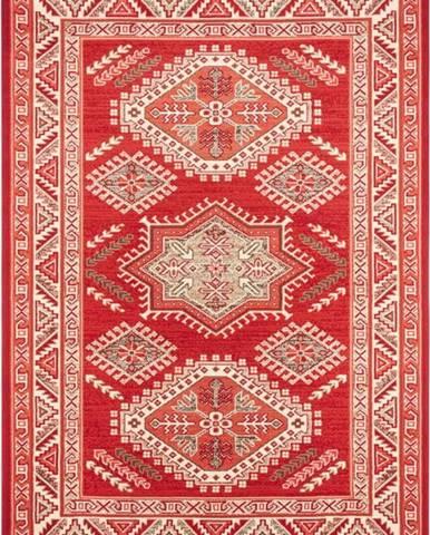Červený koberec Nouristan Saricha Belutsch, 80 x 150 cm
